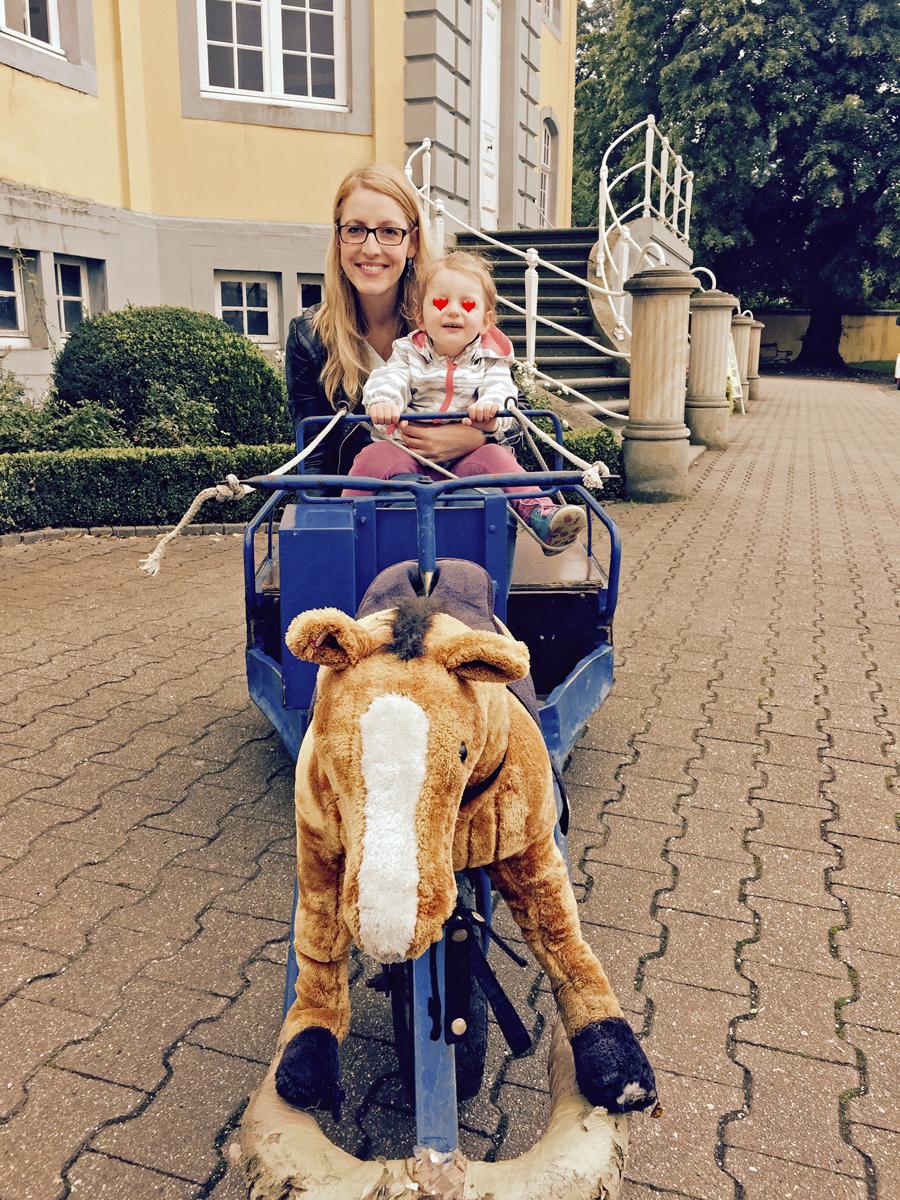 Pferdekutsche im Freizeitpark Schloss Beck in Bottrop-Kirchhellen