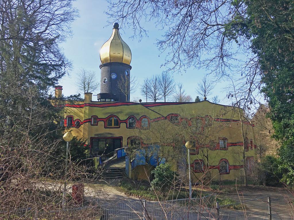 Das Hundertwasser-Haus im Grugapark in Essen.
