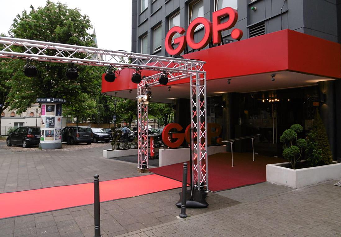 Der rote Teppich vorm GOP Varieté-Theater Essen