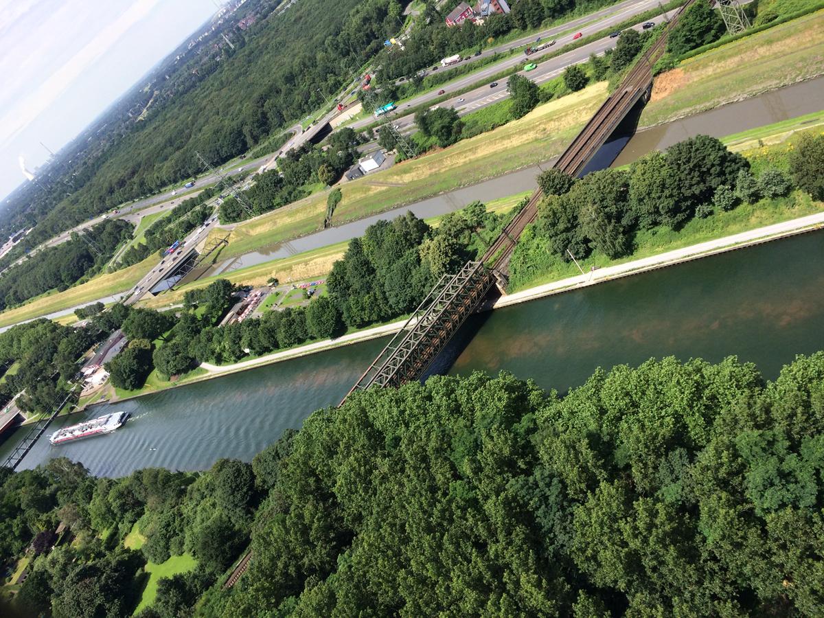 Das Foto zeigt die Aussicht vom Dach des Gasometer in Oberhausen