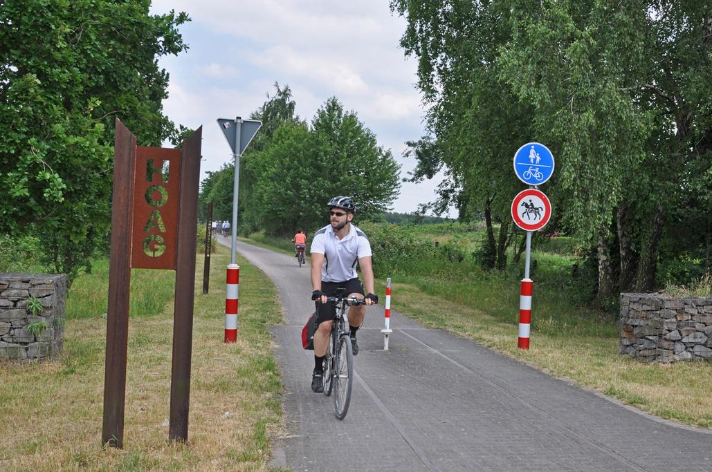 Das Foto zeigt Jochen, den Autor des Blogartikels auf der HOAG-Trasse Richtung Duisburg.