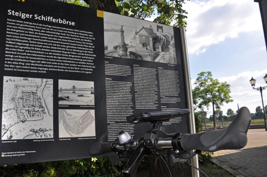 Kleine Informationstafeln geben Einblick in die Historie der Stadt.