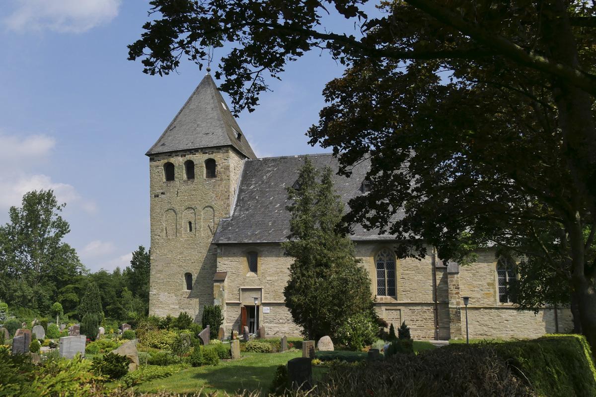 Das Foto zeigt die Evangelische Pfarrkirche in Hamm-Uentrop.