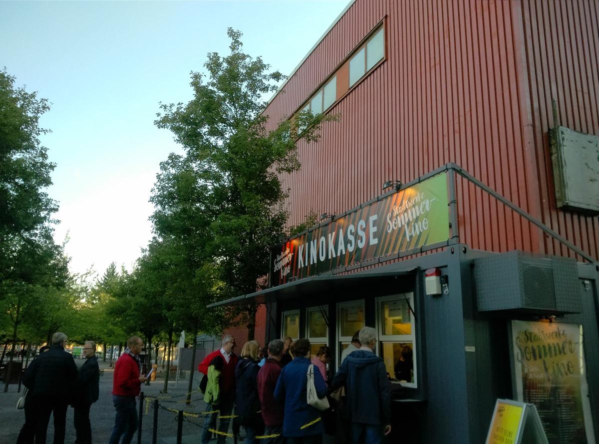 Das Foto zeigt die Kinokasse des Open Air Kinos im Landschaftspark Duisburg-Nord