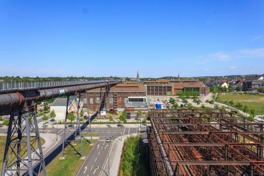 Das Foto zeigt den Ausblick vom Skywalk Phoenix West in Dortmund