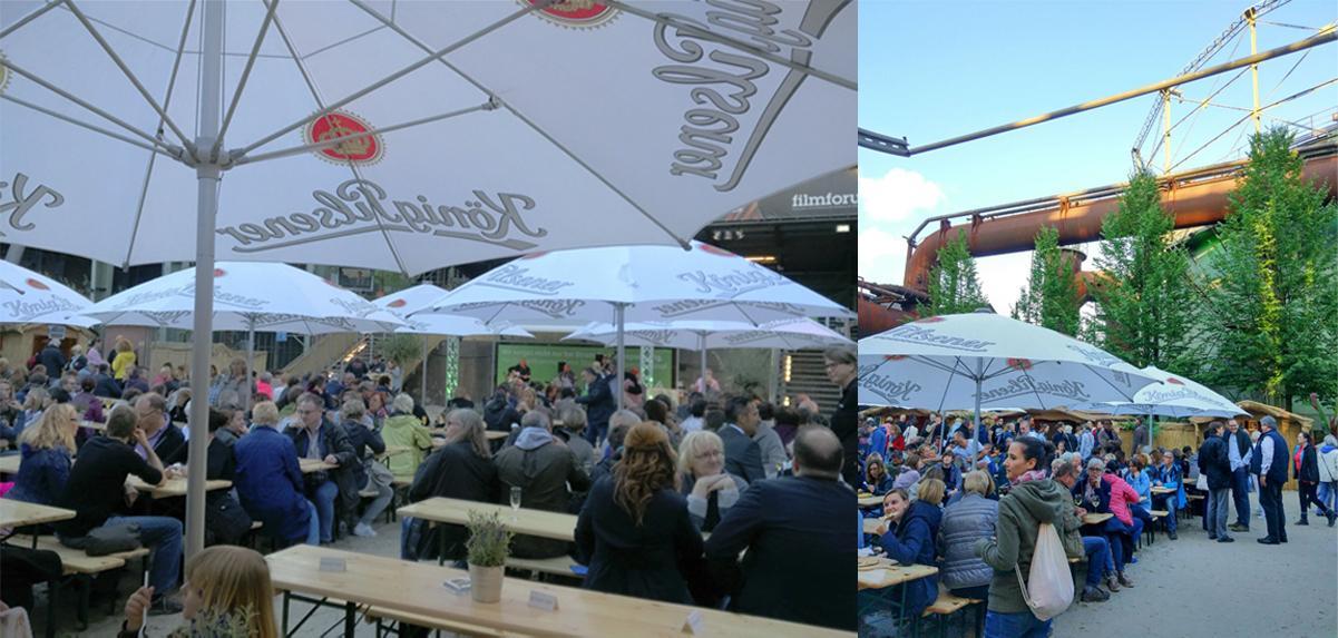 Die Collage zeigt die Live Musiker im Biergarten und den stahlblauen Himmel über der Industriekulisse im Landschaftspark Duisburg-Nord