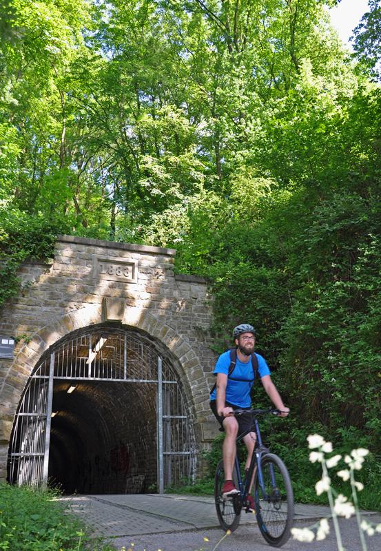Das Foto zeigt Blogautor Florian bei der Ausfahrt aus dem Schulenbergtunnel.