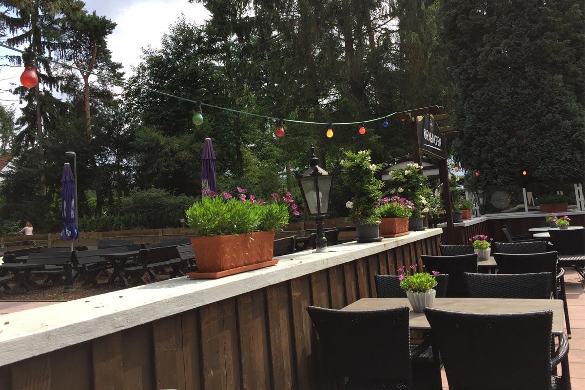 Das Foto zeigt die Terrasse vom Liebling im Mühlenbach.