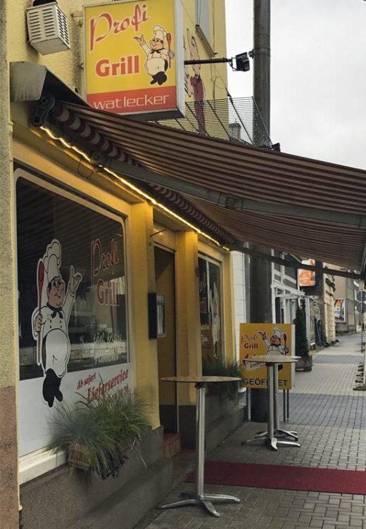 Das Foto zeigt den Profi-Grill in Wattenscheid von außen