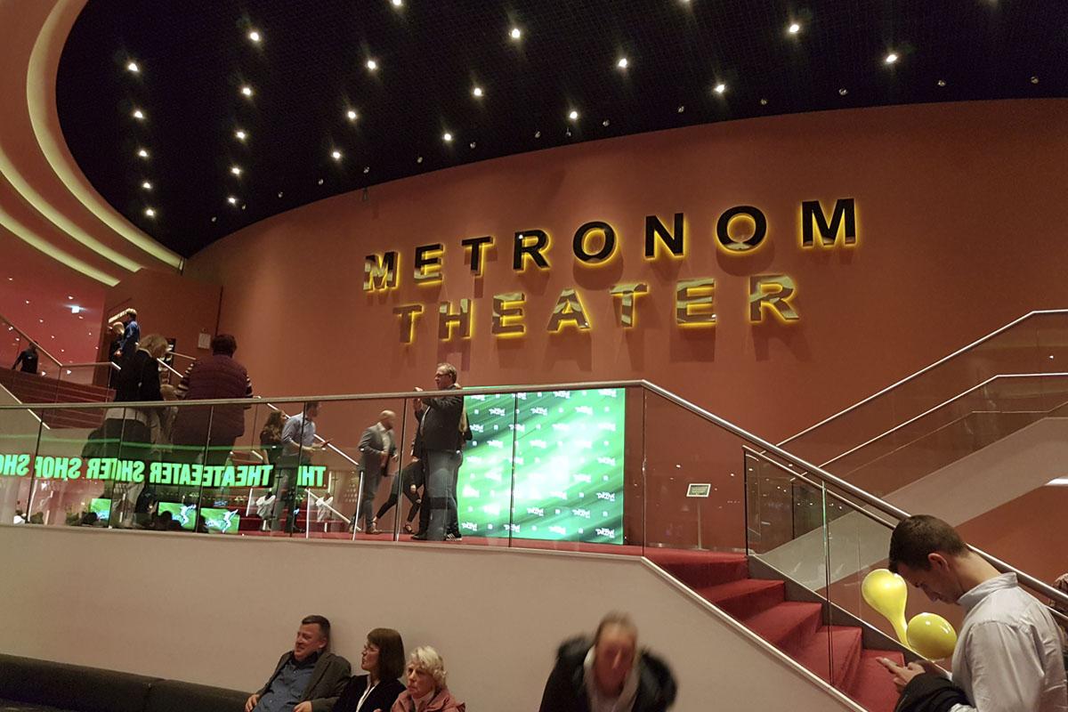 Das Foto zeigt das Foyer das Stage Metronom Theaters in Oberhausen