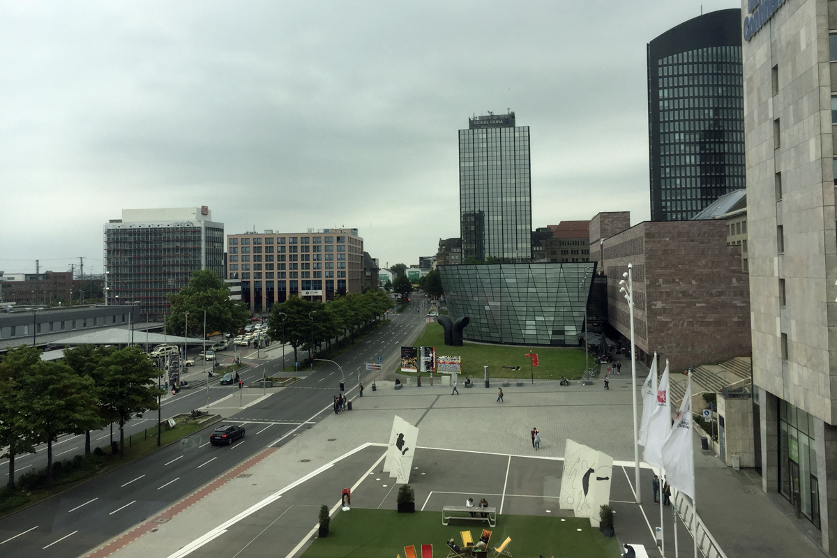 Das Foto zeigt den Ausblick auf Dortmund vom Deutschen Fußballmuseum