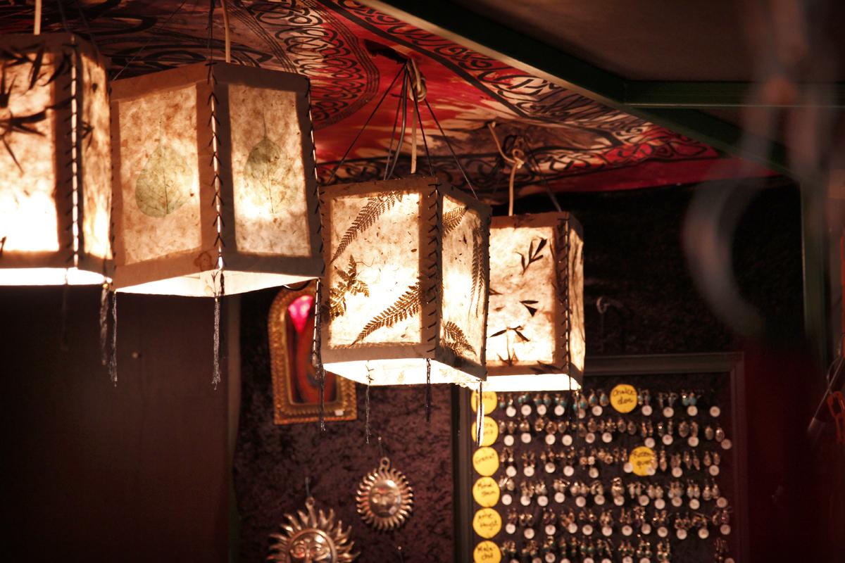 Das Foto zeigt eine Laterne aus Nepal auf dem Weihnachtsmarkt Recklinghausen