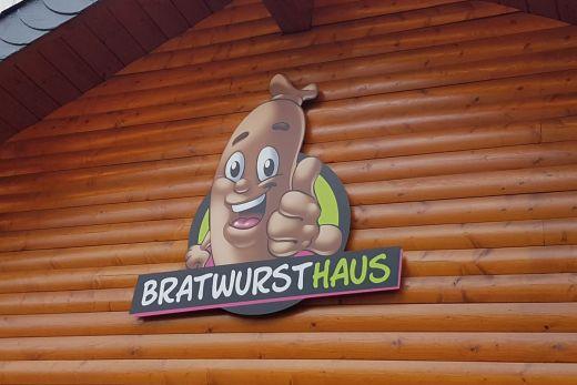Das Foto zeigt das Bratwursthaus im Bermudadreieck in Bochum