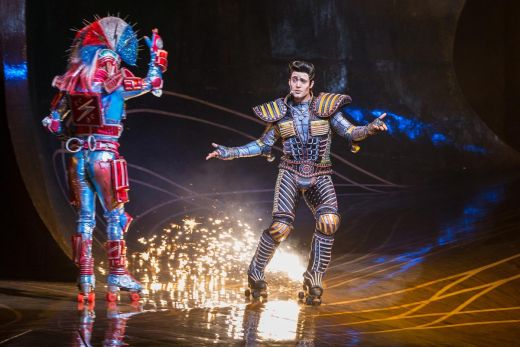 Das Foto zeigt Electra und Greaseball im Musical Starlight Express