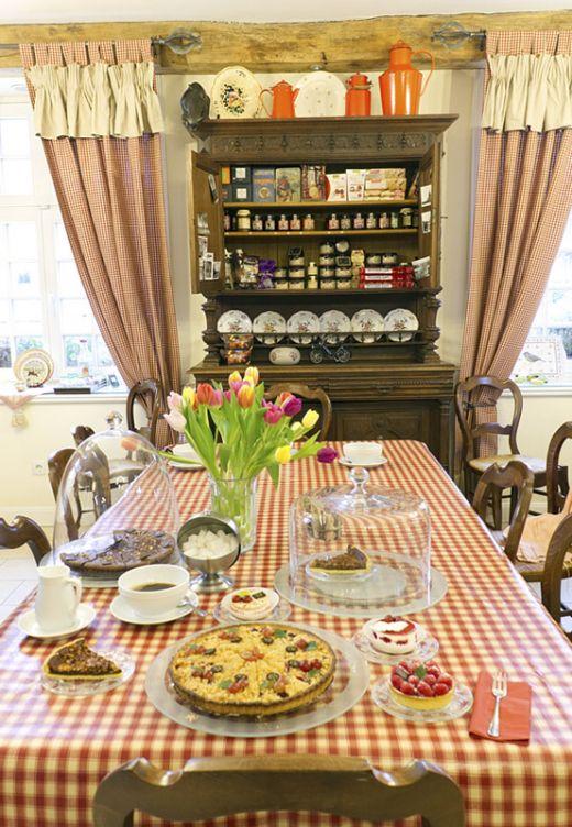 Das Foto zeigt einen gedeckten Tisch im Le Café Crème