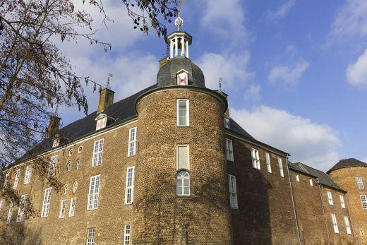 Das Foto zeigt das barocke Schloss Ringenberg in Hamminkeln