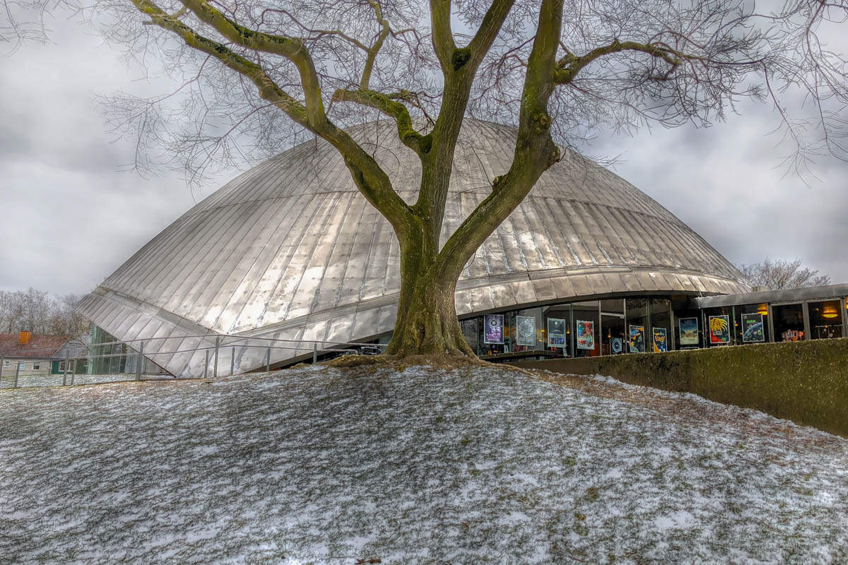 Das Foto zeigt das Planetarium Bochum