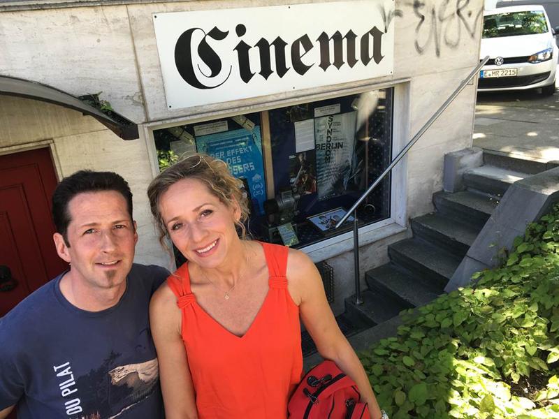 Das Bild zeigt Tamina Kallert und ihren Bruder