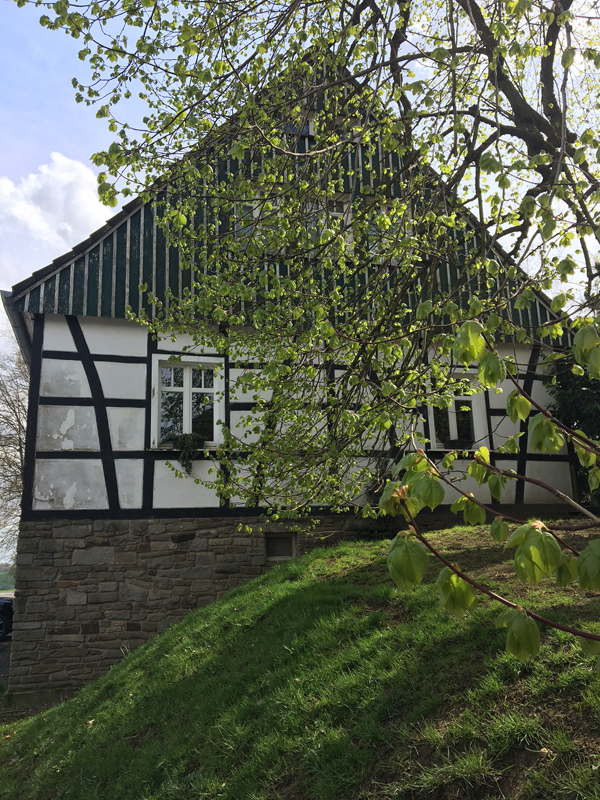 Das Bild zeigt ein Fachwerkhaus