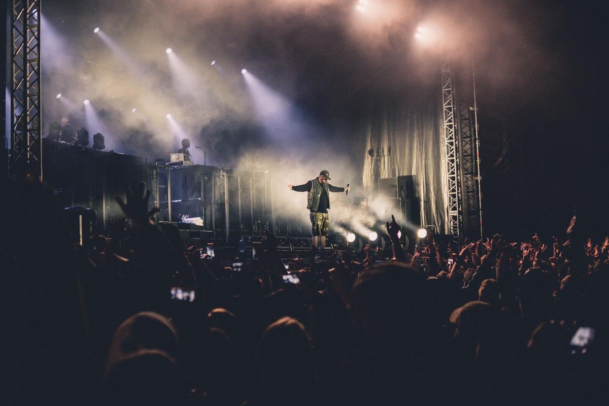Das Foto zeigt einen Act beim Musikfestival Out4Fame