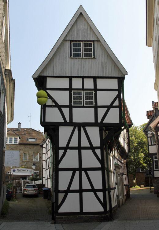 Das Foto zeigt das Bügeleisenhaus in Hattingen