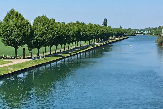 Das Foto zeigt den Dortmunder Ems Kanal