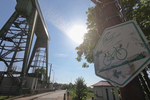 Das Foto zeigt den Dortmund-Ems-Kanal-Radweg