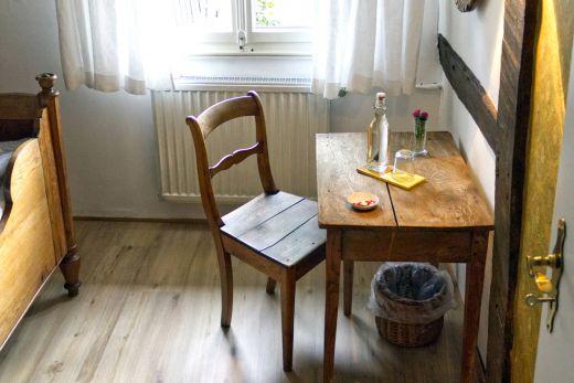 Das Bild zeigt ein Einzelzimmer im Mini-Hotel Herdecke