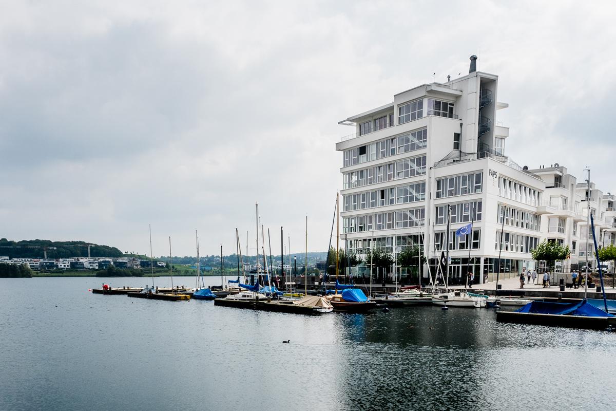 Das Foto zeigt den Phoenixsee Dortmund