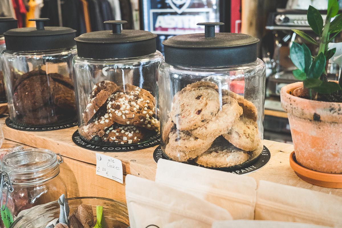 Das Bild zeigt verschiedene Kekse