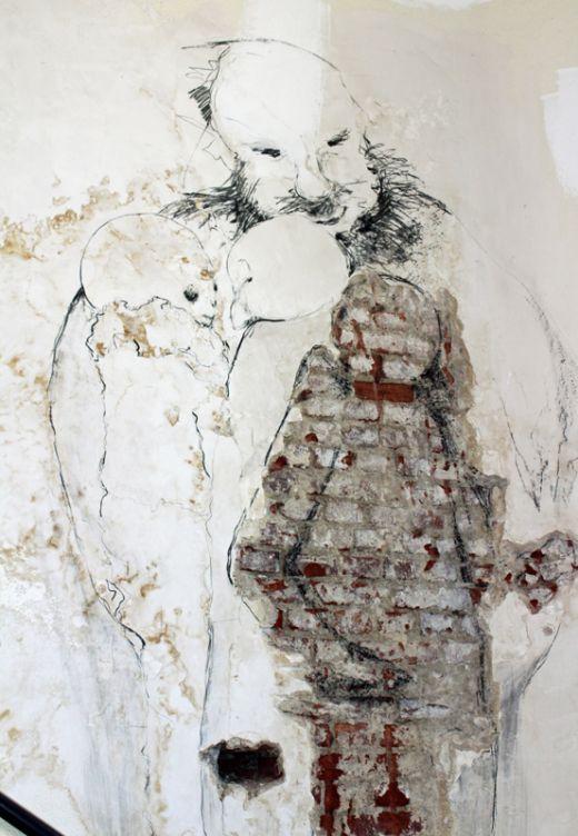 Das Foto zeigt ein Kunstwerk im Treppenhaus