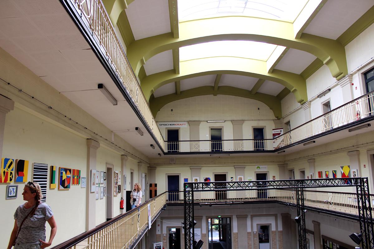 Das Foto zeigt die Lohnhalle des Creativquartiers Fürst Leopold