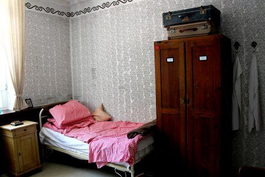 Das Foto zeigt ein Zimmer des Ledigenheim