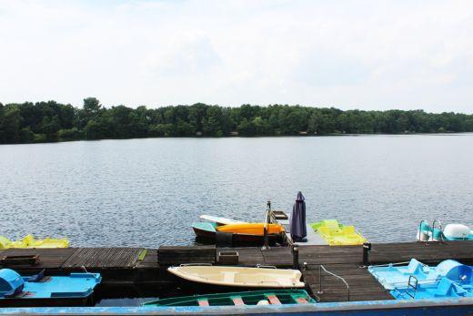 Das Bild zeigt einen See der Sechs-Seen-Platte