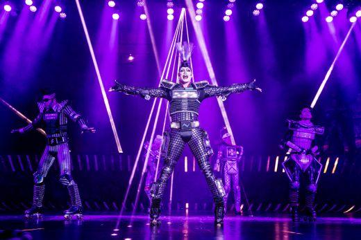 Das Foto zeigt Electra im Musical STARLIGHT EXPRESS
