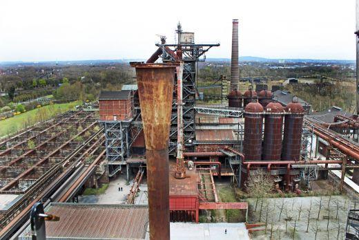 Das Bild zeigt das Gelände des Landschaftsparks Duisburg-Nord