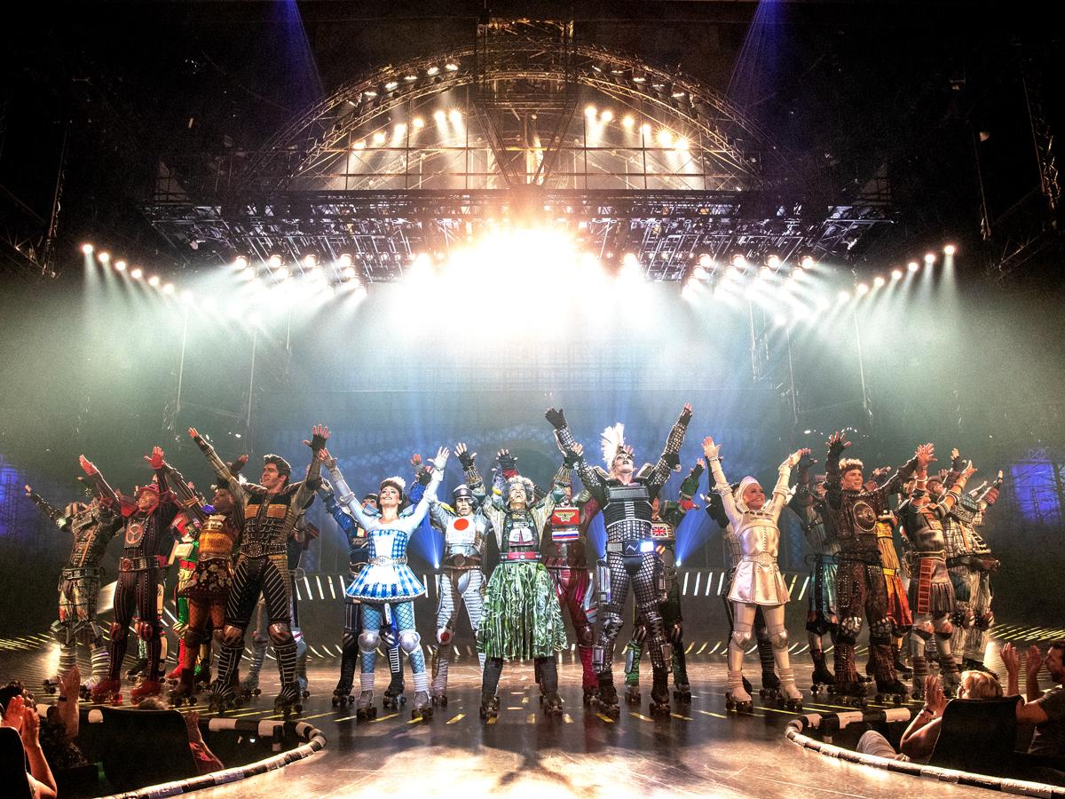 Das Foto zeigt die Darsteller des Musicals STARLIGHT EXPRESS © STARLIGHT EXPRESS
