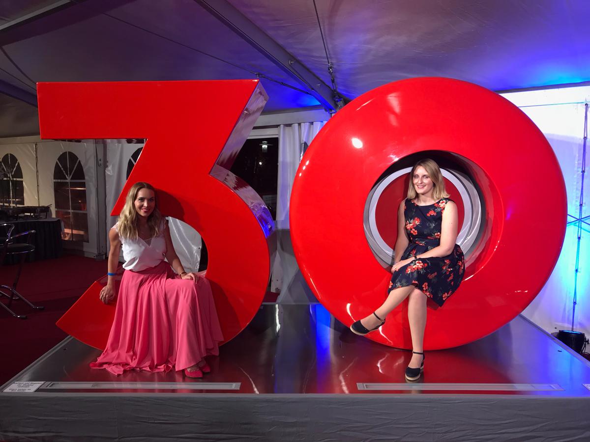 Das Foto zeigt Katalina und Sandra beim STARLIGHT EXPRESS
