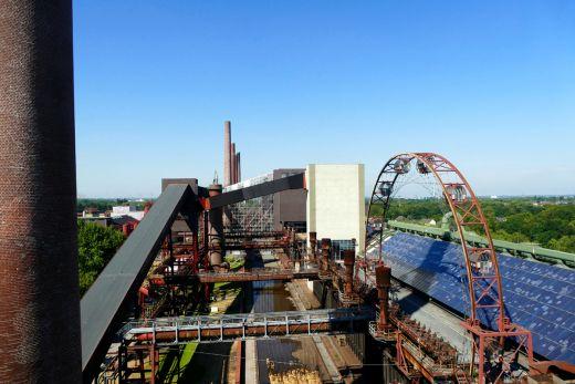 Das Bild zeigt den Ausblick auf das Geländer der Kokerei Zollverein