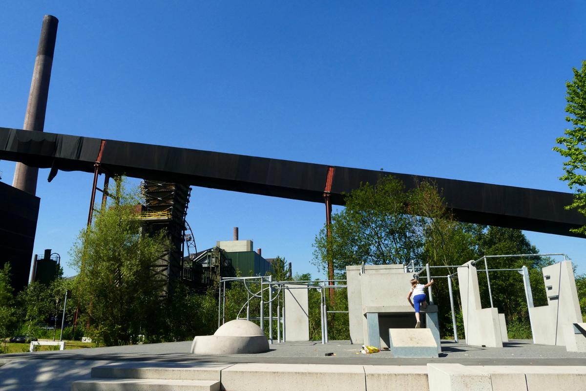 Das Bild zeigt die Parkur-Anlage auf dem Gelände der ehemaligen Kokerei Zollverein