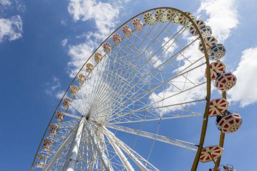 Das Bild zeigt eine Riesenrad im Fort-Fun-Abenteuerland Bestwig
