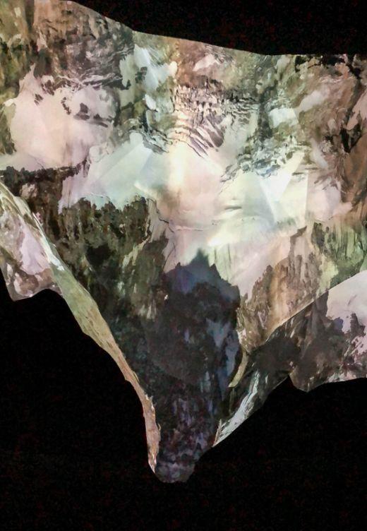 """Das Foto zeigt das Matterhorn in der Ausstellung """"Der Berg ruft"""" im Gasometer Oberhausen"""