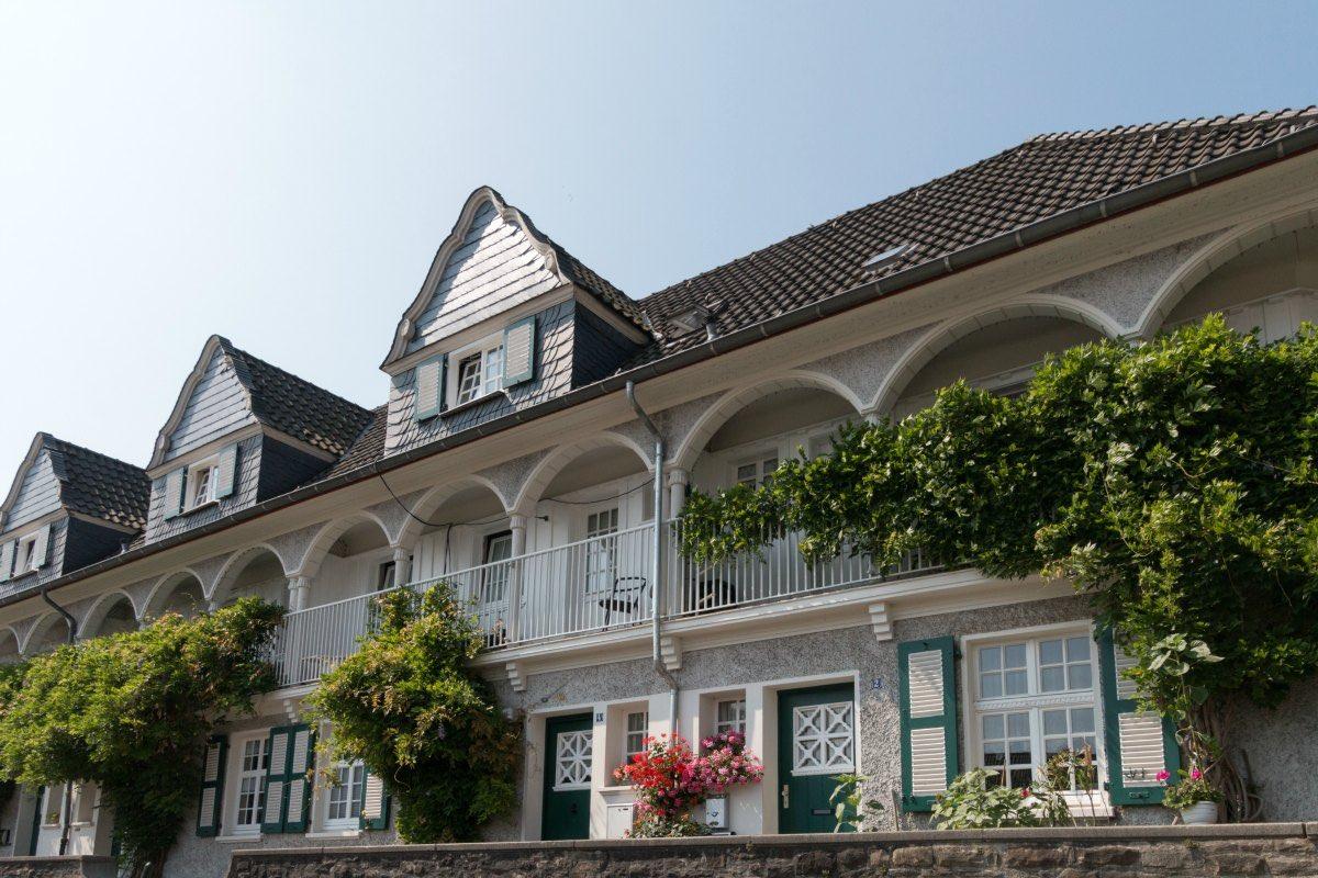 Das Bild zeigt ein Haus in der Gartenstadt Essen-Margarethenhöhe.