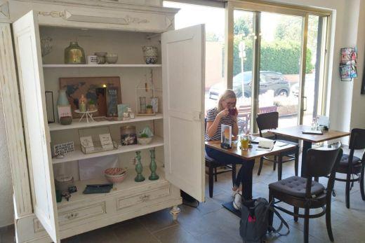 Das Bild zeigt den Innenbereich im Café LiMa`s.