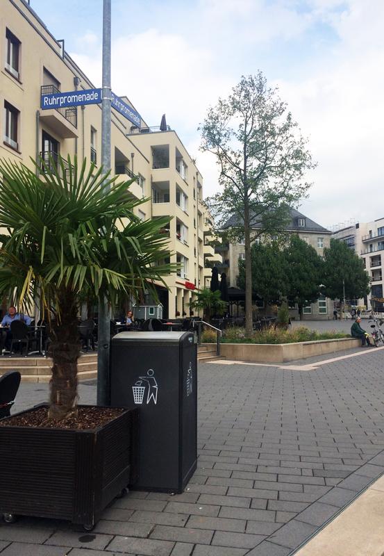 Das Foto zeigt die Ruhrpromenade in Mülheim an der Ruhr
