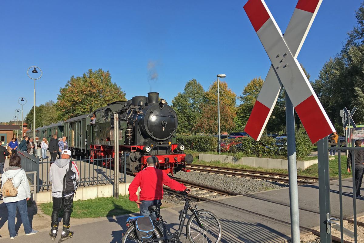 Das Foto zeigt die Hespertalbahn am Baldeneysee