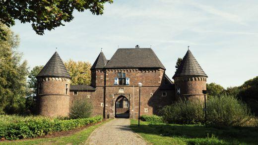 Das Bild zeigt die Burg Vondern in Oberhausen