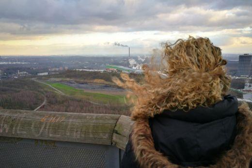 Das Bild zeigt den Ausblick auf das Ruhrgebiet
