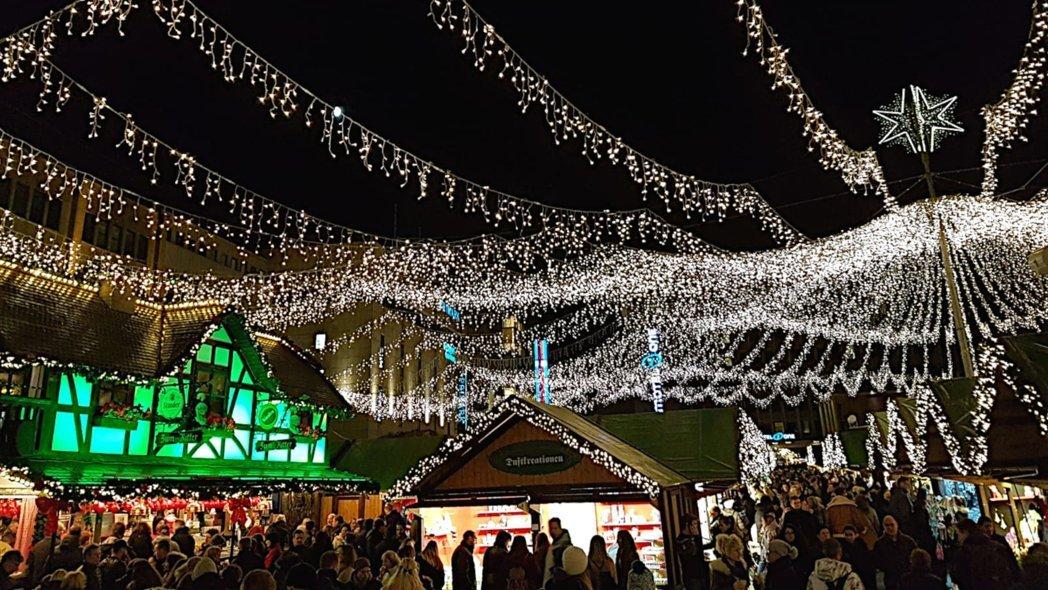 öffnungszeiten Dortmunder Weihnachtsmarkt.Zwei Große Und Zwei Kleine Weihnachtsmarkt Hopping Im Ruhrgebiet