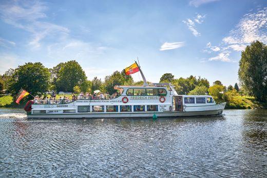 Das Foto zeigt die Weiße Flotte Mülheim an der Ruhr